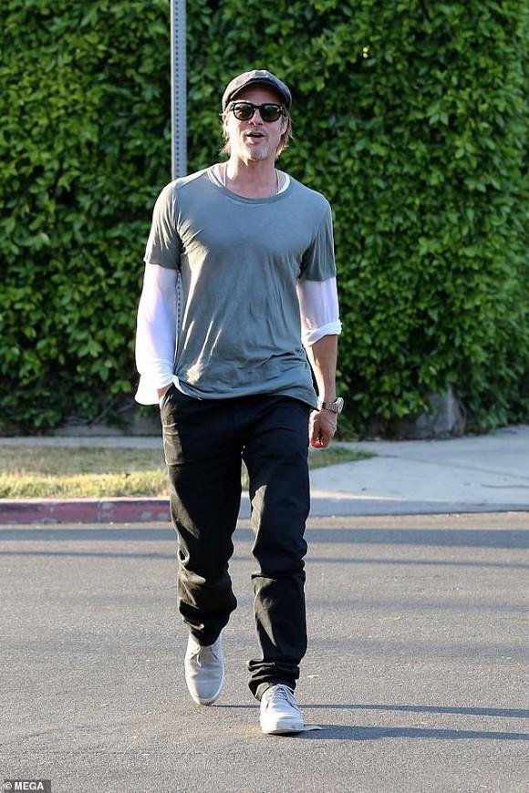 Brad Pitt lên tiếng về tin tái hợp Jennifer Aniston sau khi khiến Angelina Jolie chạnh lòng vì món quà khủng - Ảnh 2.