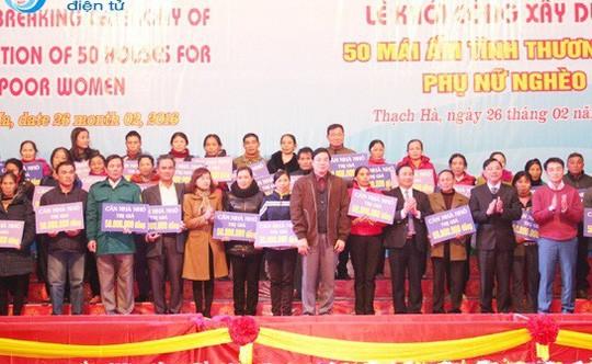 """Vụ """"nhà báo quốc tế"""" Lê Hoàng Anh Tuấn: 50 người phụ nữ nghèo bỗng ôm nợ lớn - Ảnh 3."""