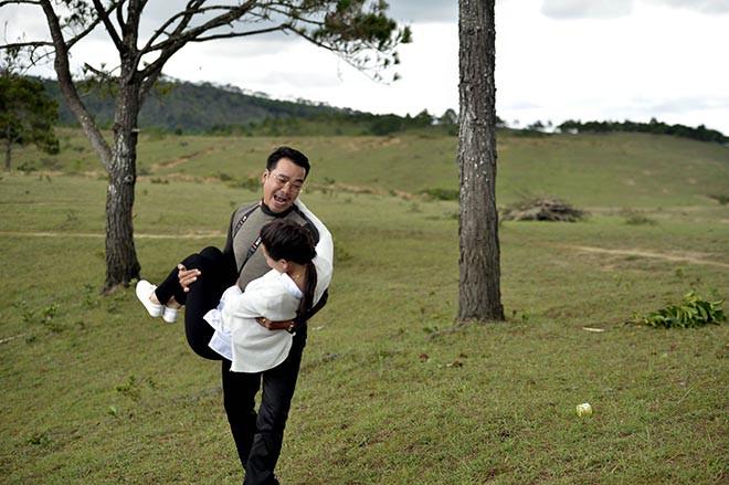 Những hình ảnh không được lên sóng giờ vàng của hot girl Phi Huyền Trang - Ảnh 8.