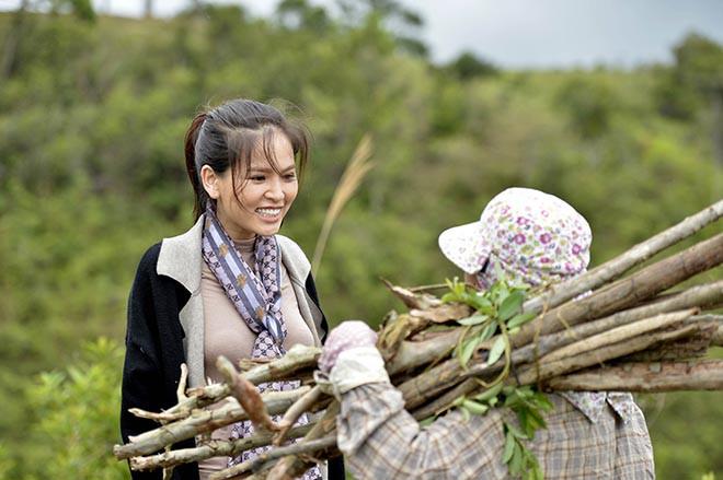 Những hình ảnh không được lên sóng giờ vàng của hot girl Phi Huyền Trang - Ảnh 4.