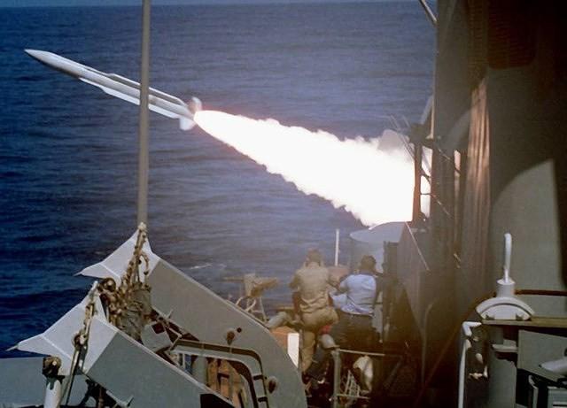 Hải quân Iran từng thất bại nặng nề khi đối đầu Mỹ ngay trên Vịnh Ba Tư - Ảnh 14.