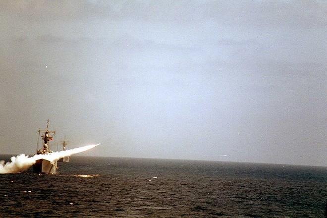 Hải quân Iran từng thất bại nặng nề khi đối đầu Mỹ ngay trên Vịnh Ba Tư - Ảnh 16.