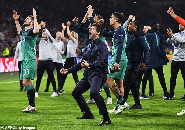 """HLV Tottenham quỳ xuống sân rồi òa khóc sau màn ngược dòng """"kinh điển"""" - Ảnh 8."""