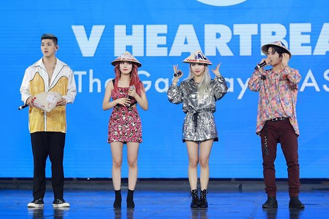 Chi Pu bật khóc, KARD cùng Ha Sungwoon vui vẻ giao lưu fan Việt - Ảnh 7.