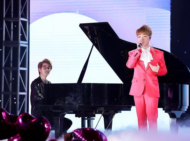 Chi Pu bật khóc, KARD cùng Ha Sungwoon vui vẻ giao lưu fan Việt - Ảnh 13.
