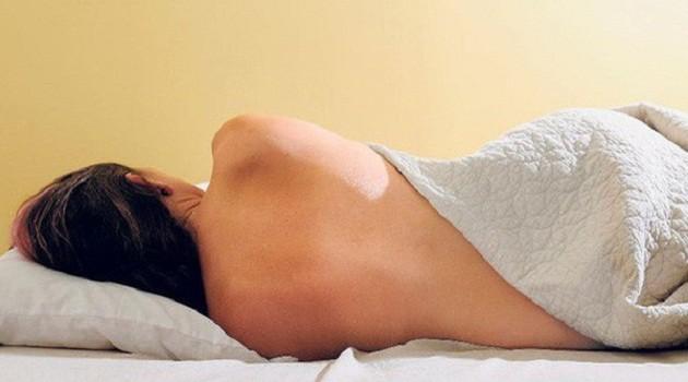 Những lợi ích vàng đối với phụ nữ khi khỏa thân trong lúc ngủ - Ảnh 2.
