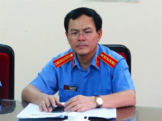 Ông Nguyễn Hữu Linh khai tên giả vì sợ mất danh dự vụ dâm ô bé gái trong thang máy - Ảnh 1.
