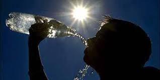 Trời nắng nóng, nhiệt độ cao cẩn thận say nóng: Đây là những triệu chứng cần đề phòng - Ảnh 2.