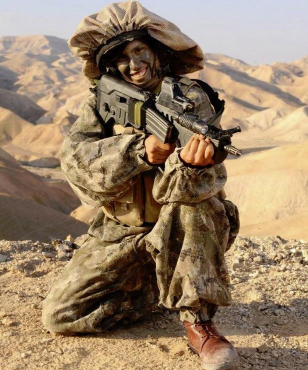 Ảnh: Các nữ quân nhân xinh xắn và mạnh mẽ của quân đội Israel - Ảnh 4.