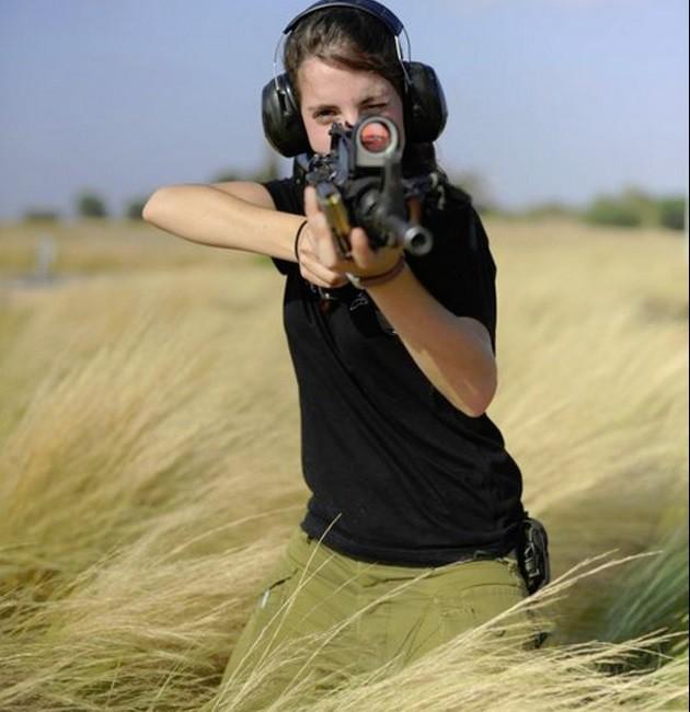 Ảnh: Các nữ quân nhân xinh xắn và mạnh mẽ của quân đội Israel - Ảnh 5.