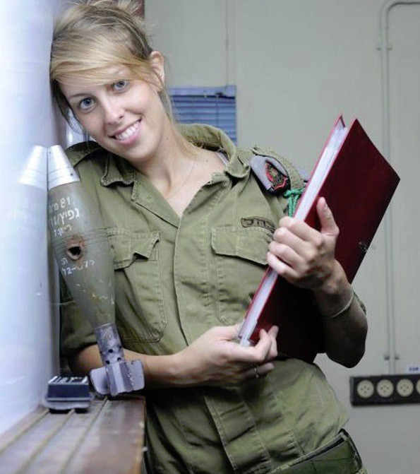 Ảnh: Các nữ quân nhân xinh xắn và mạnh mẽ của quân đội Israel - Ảnh 6.