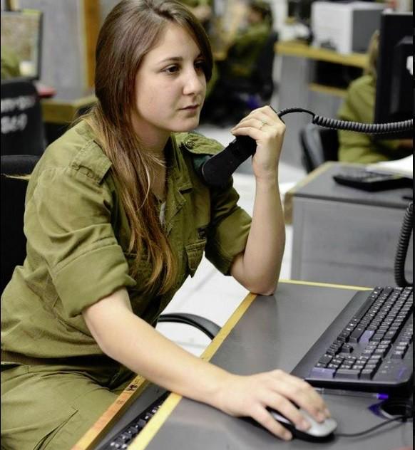 Ảnh: Các nữ quân nhân xinh xắn và mạnh mẽ của quân đội Israel - Ảnh 8.