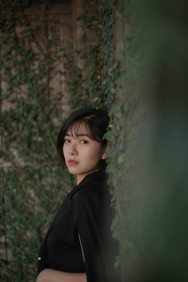 Nhan sắc nữ thiếu úy công an bị Việt Sói bắt cóc, đánh bầm dập trong phim Mê cung - Ảnh 6.