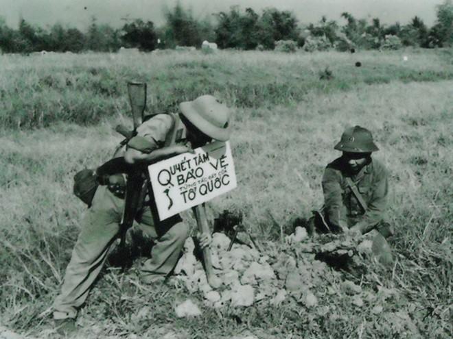 Chiến trường K: Lính tình nguyện Việt Nam chốt ở Biển Hồ - Vừa đánh Polpot vừa bắt cá - Ảnh 5.