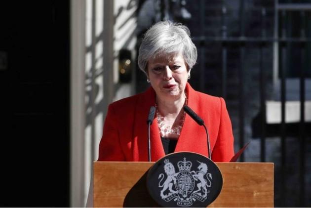 Nước mắt bà May, bi kịch nước Anh: Tránh vỏ dưa rồi lại gặp và trượt vỏ dừa - Ảnh 1.