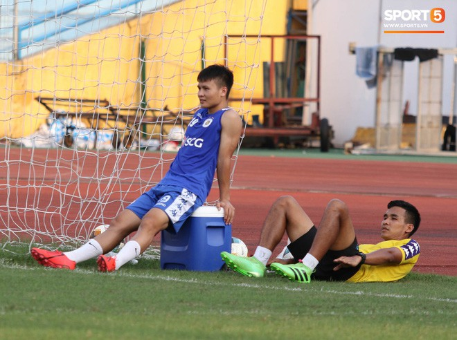 Quang Hải bị quá tải sau Kings Cup, được HLV trưởng Hà Nội FC đặc cách khi về tới Việt Nam - Ảnh 2.