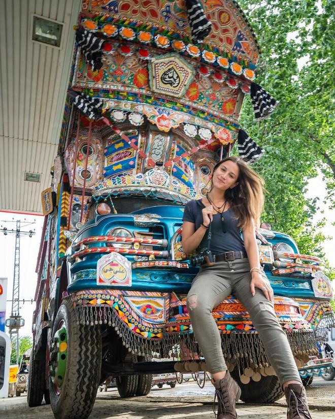 Cô gái trẻ nhất du lịch vòng quanh Trái Đất: Mới 21 tuổi đã đi qua 196 quốc gia, sắp phá vỡ kỷ lục Guinness - Ảnh 11.