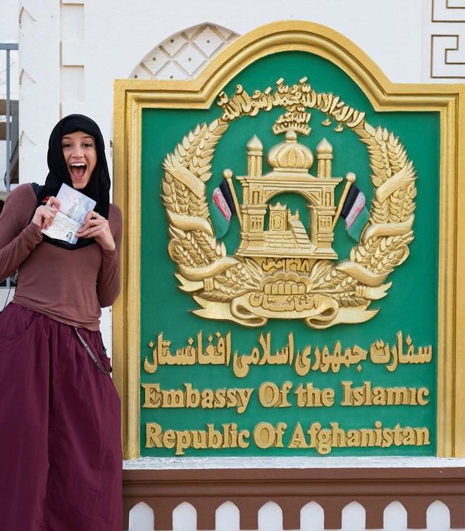 Cô gái trẻ nhất du lịch vòng quanh Trái Đất: Mới 21 tuổi đã đi qua 196 quốc gia, sắp phá vỡ kỷ lục Guinness - Ảnh 3.