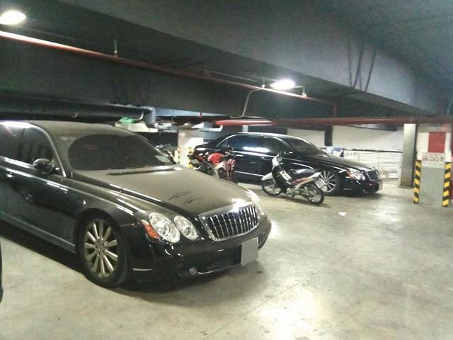 Xót xa nhiều siêu xe và xe siêu sang bị 'bỏ rơi' tại Việt Nam - Ảnh 9.