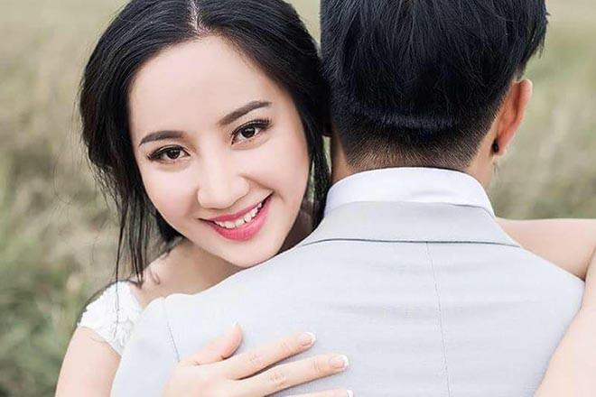 Danh tính người vợ làm quản lý kiêm tài xế, yêu 7 năm mới cưới của Lê Dương Bảo Lâm - Ảnh 3.