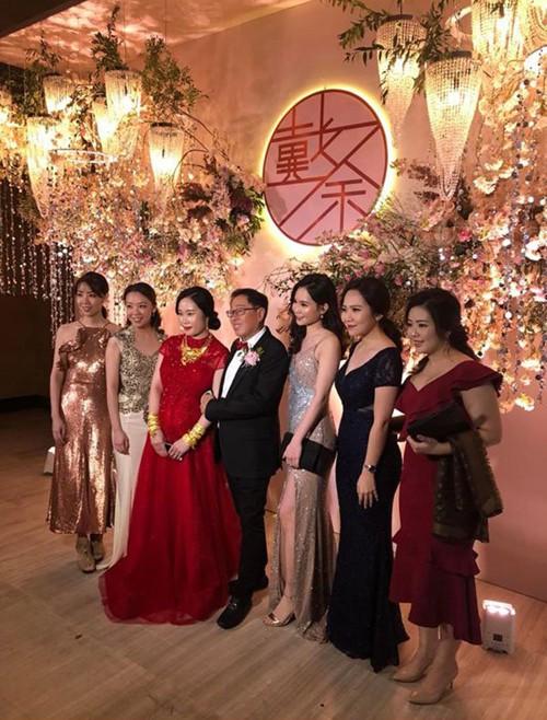 Đám cưới rình rang của nữ ca sĩ Malaysia đình đám một thời, cô dâu bụng to vượt mặt nhưng tuổi tác của chú rể mới gây ngỡ ngàng - Ảnh 8.