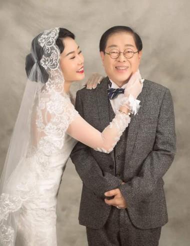 Đám cưới rình rang của nữ ca sĩ Malaysia đình đám một thời, cô dâu bụng to vượt mặt nhưng tuổi tác của chú rể mới gây ngỡ ngàng - Ảnh 6.