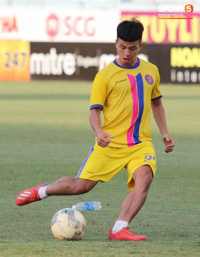 Tiến bộ thần tốc, cựu thủ môn điển trai của U23 Việt Nam vẫn khiêm tốn trước cuộc đọ sức với Hà Nội FC - Ảnh 13.