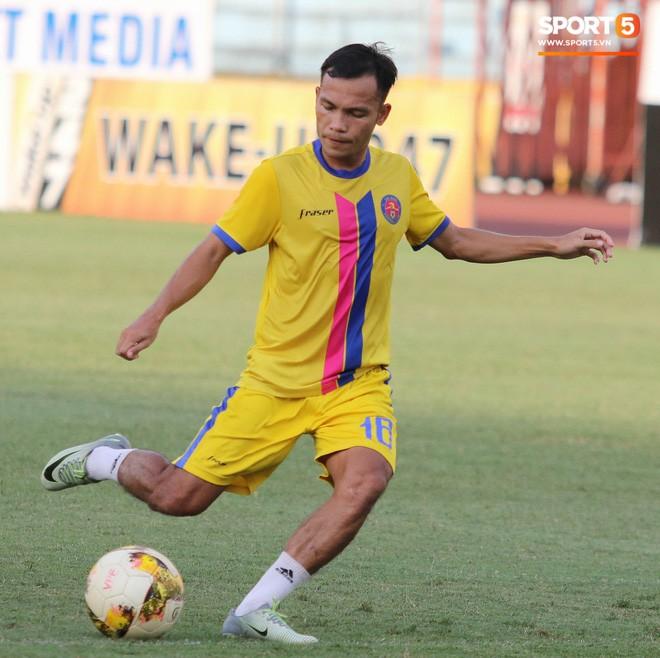 Tiến bộ thần tốc, cựu thủ môn điển trai của U23 Việt Nam vẫn khiêm tốn trước cuộc đọ sức với Hà Nội FC - Ảnh 14.