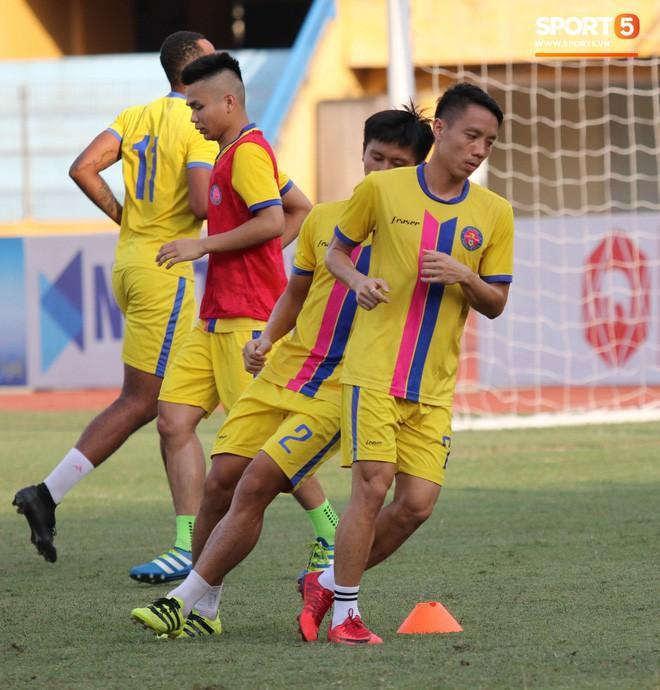 Tiến bộ thần tốc, cựu thủ môn điển trai của U23 Việt Nam vẫn khiêm tốn trước cuộc đọ sức với Hà Nội FC - Ảnh 15.