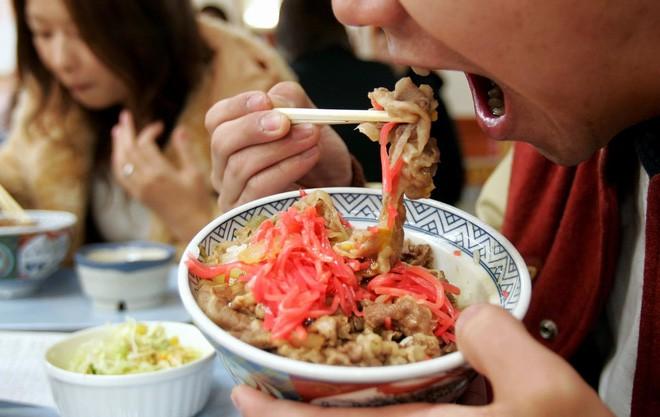 Nhật Bản (lại) có phát minh ẩm thực độc đáo: Cơm đóng lon đầy đủ dinh dưỡng không lo bị đói khi có động đất - Ảnh 3.