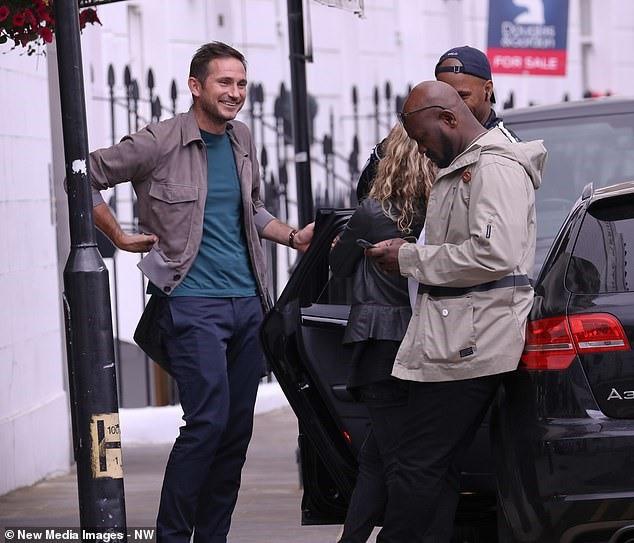 Lampard gặp Drogba để bàn về kế hoạch trở lại Chelsea - Ảnh 3.
