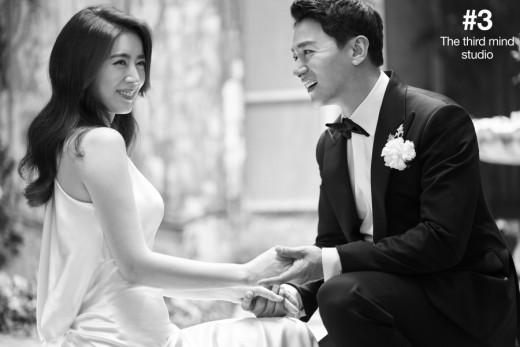 Tài tử Sắc đẹp ngàn cân khoe ảnh cưới mà dân tình chỉ dán mắt vào cô dâu đẹp như Hoa hậu, còn na ná Kim Tae Hee - Ảnh 4.