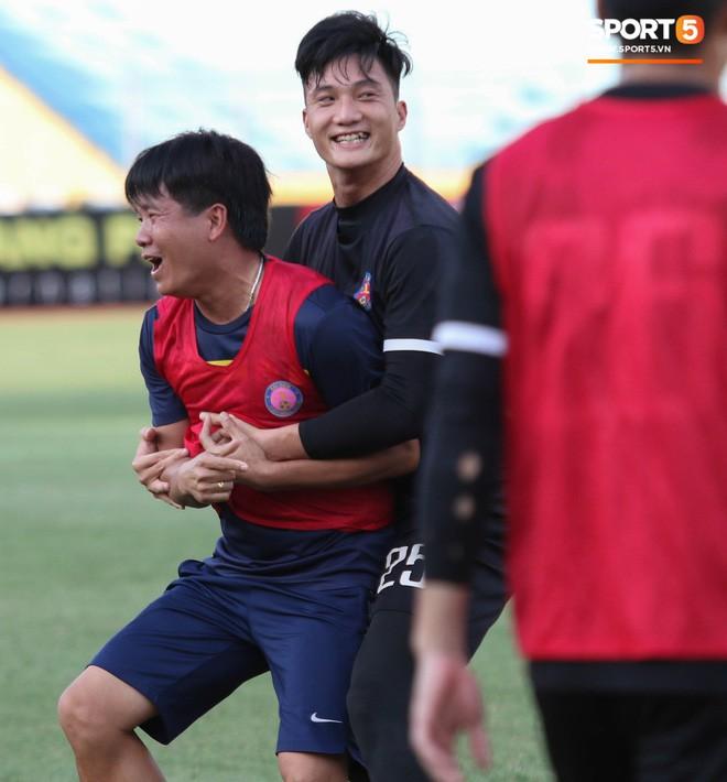 Tiến bộ thần tốc, cựu thủ môn điển trai của U23 Việt Nam vẫn khiêm tốn trước cuộc đọ sức với Hà Nội FC - Ảnh 5.