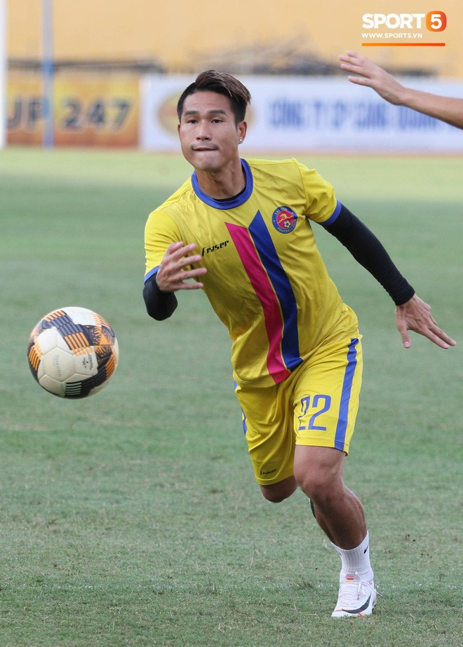 Tiến bộ thần tốc, cựu thủ môn điển trai của U23 Việt Nam vẫn khiêm tốn trước cuộc đọ sức với Hà Nội FC - Ảnh 10.