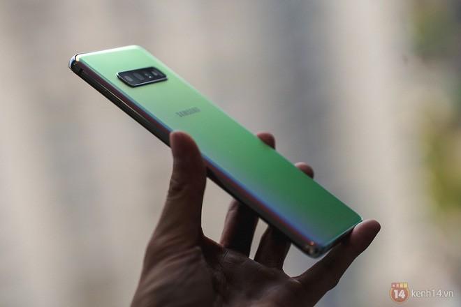 Ngắm nhìn màu bạc rất lạ trên Galaxy S10+ phiên bản Park Hang Seo - Ảnh 12.