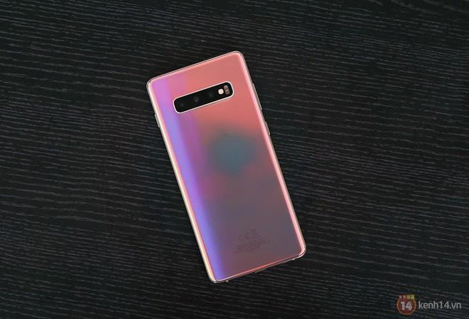 Ngắm nhìn màu bạc rất lạ trên Galaxy S10+ phiên bản Park Hang Seo - Ảnh 15.