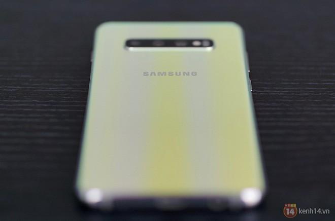 Ngắm nhìn màu bạc rất lạ trên Galaxy S10+ phiên bản Park Hang Seo - Ảnh 17.