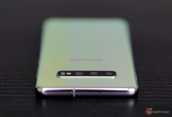 Ngắm nhìn màu bạc rất lạ trên Galaxy S10+ phiên bản Park Hang Seo - Ảnh 18.