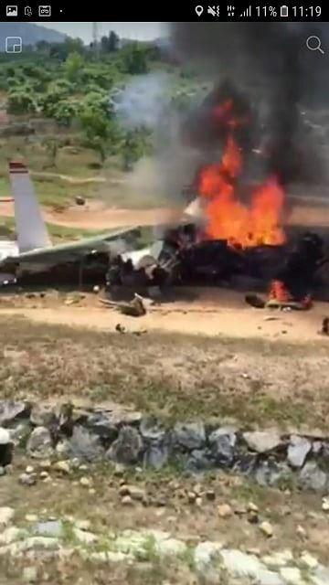 Máy bay rơi ở Khánh Hòa: Hai phi công hy sinh gồm 1 giáo viên bay và 1 học viên - Ảnh 3.