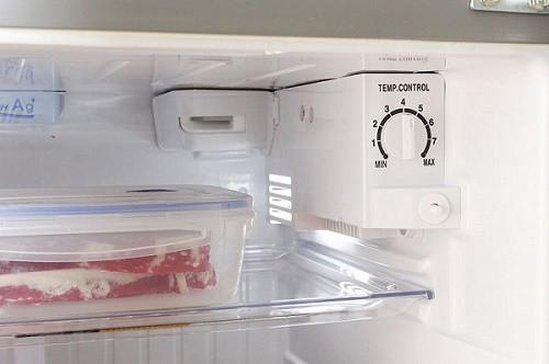 Mẹo chỉnh tủ lạnh để giảm hóa đơn tiền điện cho gia đình - Ảnh 1.