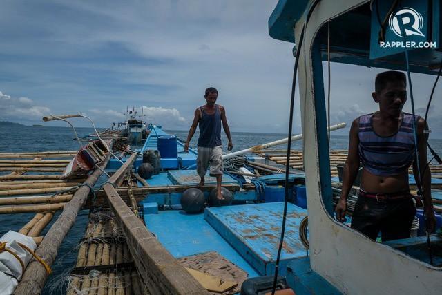 Đuôi tàu vỡ nát, đồ đạc bị nước biển cuốn sạch: Thuyền trưởng tàu Philippines vẫn bất chấp tàu TQ - Ảnh 3.