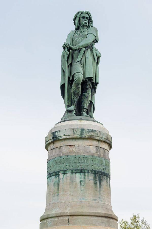 Chiến binh anh hùng của Pháp từng suýt đánh bại Caesar - Ảnh 2.