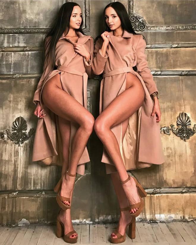 Cặp chị em sinh đôi giống đến từng centimet, nóng bỏng quyến rũ hết phần người khác nhưng lại có nguyện vọng kiếm chồng gây choáng - Ảnh 5.