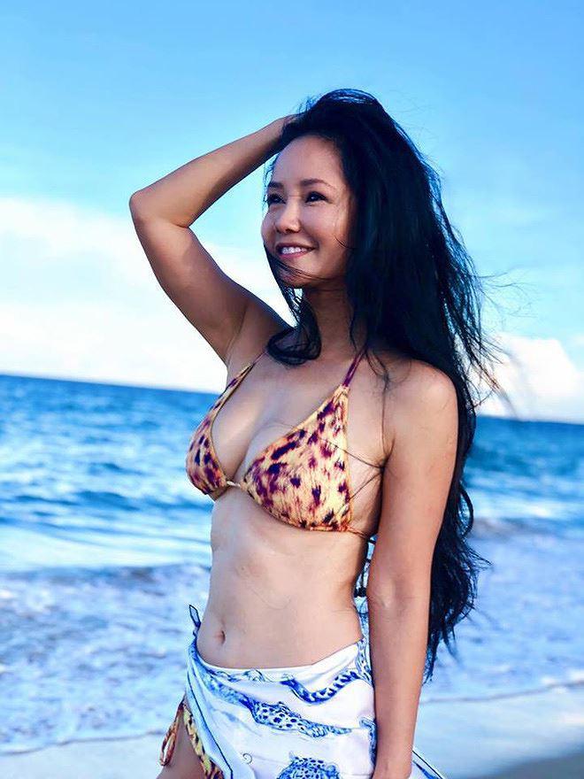 Diva Hồng Nhung khoe ảnh bikini nóng bỏng ở tuổi U50 gây ngỡ ngàng - Ảnh 4.