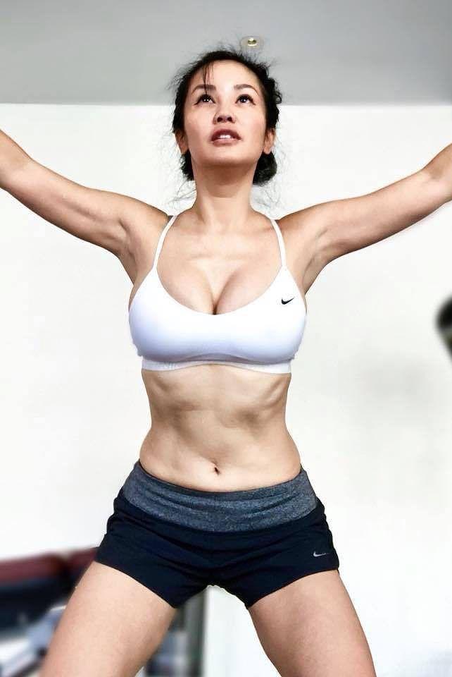 Diva Hồng Nhung khoe ảnh bikini nóng bỏng ở tuổi U50 gây ngỡ ngàng - Ảnh 8.