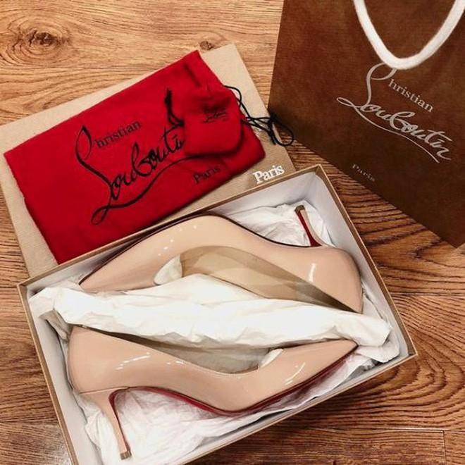 Bạn gái mua giày xinh tặng Duy Mạnh nhưng câu nói đi kèm bắt trend Chị hiểu hông mới làm người ta chú ý - Ảnh 9.