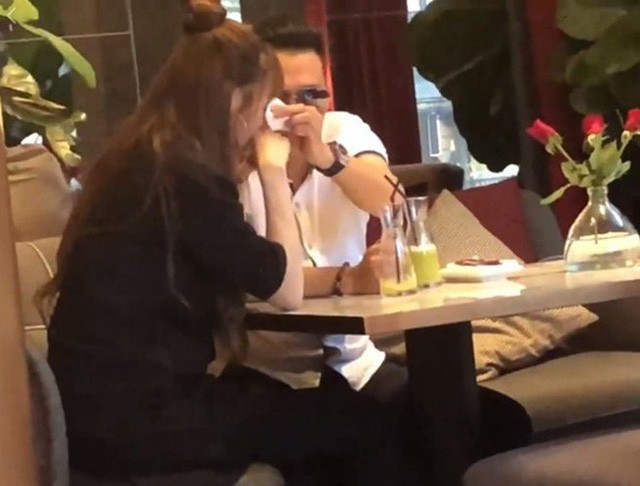 Đường tình trắc trở của diễn viên Việt Anh: Hai người vợ trái ngược tính cách cùng chung cái kết buồn - Ảnh 5.