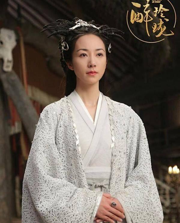 Sao nữ quyền lực nhất Hoa ngữ: Cơ ngơi lớn gấp đôi Lý Liên Kiệt, không đóng cảnh hôn, bất tuân mọi quy tắc - Ảnh 1.
