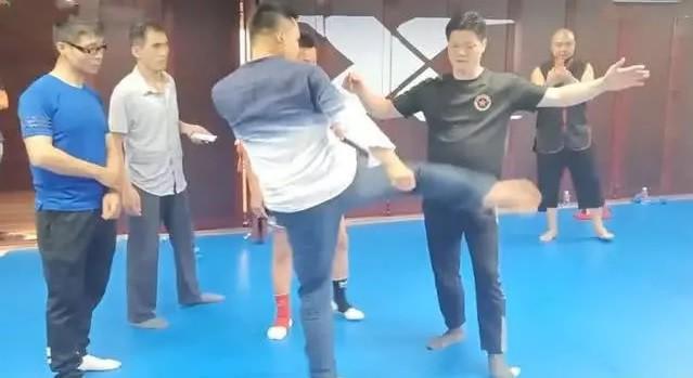 Võ sư Thiếu Lâm quay ngoắt 180 độ, thừa nhận dùng đòn bẩn với võ sĩ MMA - Ảnh 4.