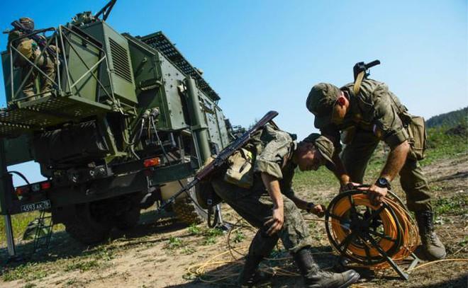Tác chiến điện tử Nga ở Syria: Quá xuất sắc, Mỹ hoảng hồn đối phó! - Ảnh 1.